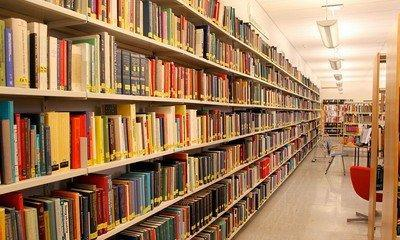 A huge collection of books on databases, programming, information systems